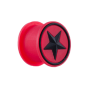 Plug rot mit schwarzem Stern
